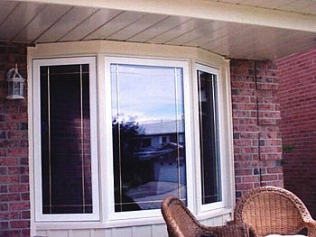 White aluminum bay window installed by window and door company in Toronto.