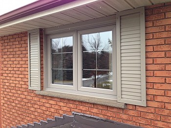vinyl replacement windows with shutters forhomes Oakvile