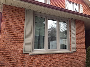 vinyl replacement windows with shutters Oakvile