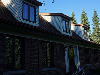 Vinyl windows done in siding with interior SDL's