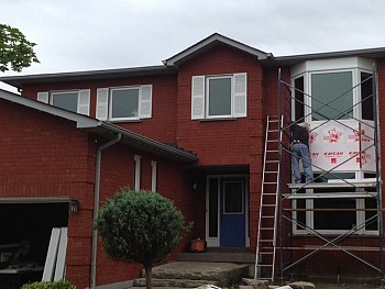 Exterior vinyl bay window installation Oakville forhomes